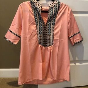 Tops - Salmon tunic with pattern
